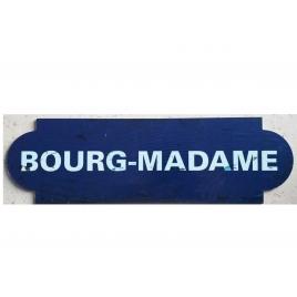 Plaque de la gare de Bourg-Madame desservie par le train Jaune
